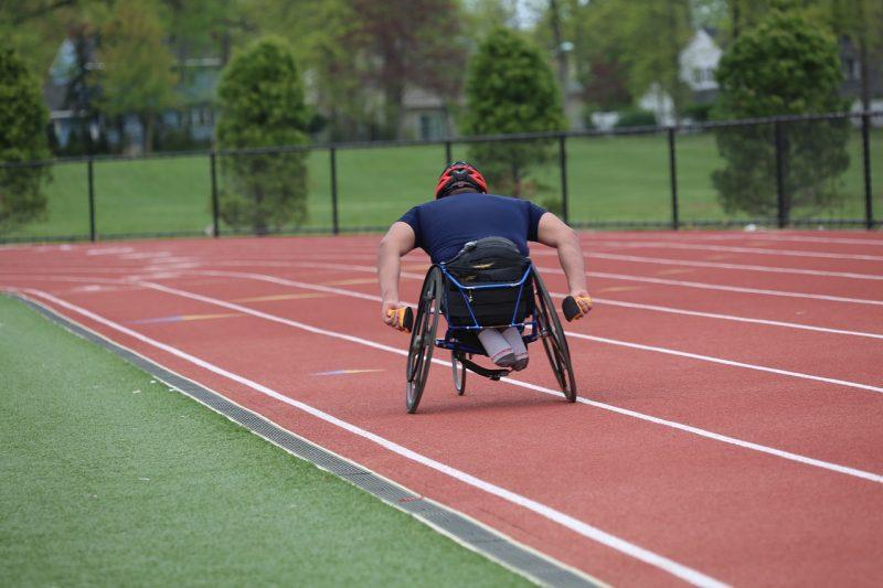 O sistema de quotas de emprego para pessoas com deficiência, com um grau de incapacidade igual ou superior a 60 %